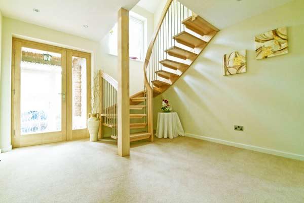 Ash-Half-Turn-Staircase