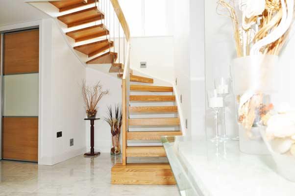 Grand-Oak-Staircase