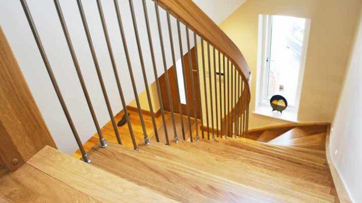 Oak-Quarter-Turn-Stair