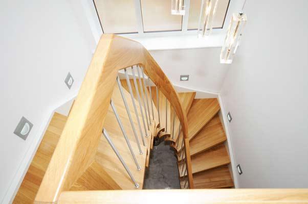 Oak-curved-handrail