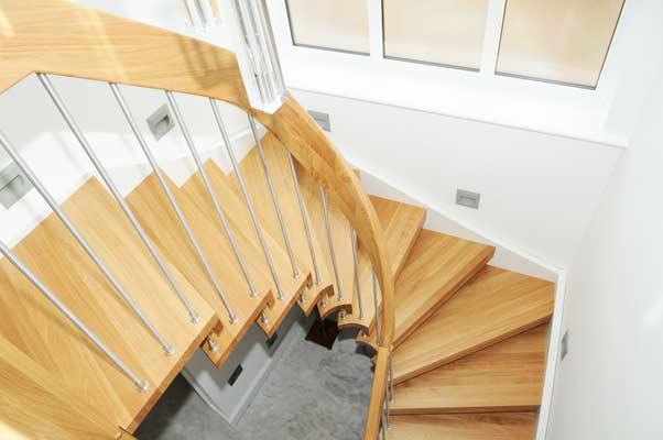 Twisting-Oak-handrail
