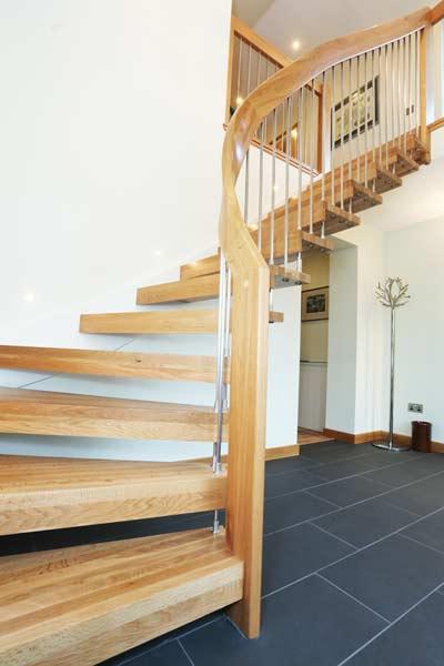 curving-wooden-handrail