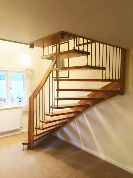 Oak Half Turn Stair